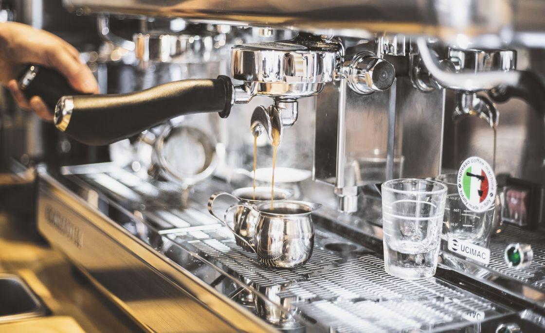 distribuidores de café para hostelería cafetera de bar o restaurante BGrup