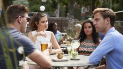 Distribuïdors de begudes per a bars: Què necessita?