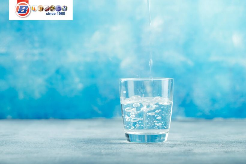 vaso de agua comprar agua mineral al por mayor BGrup