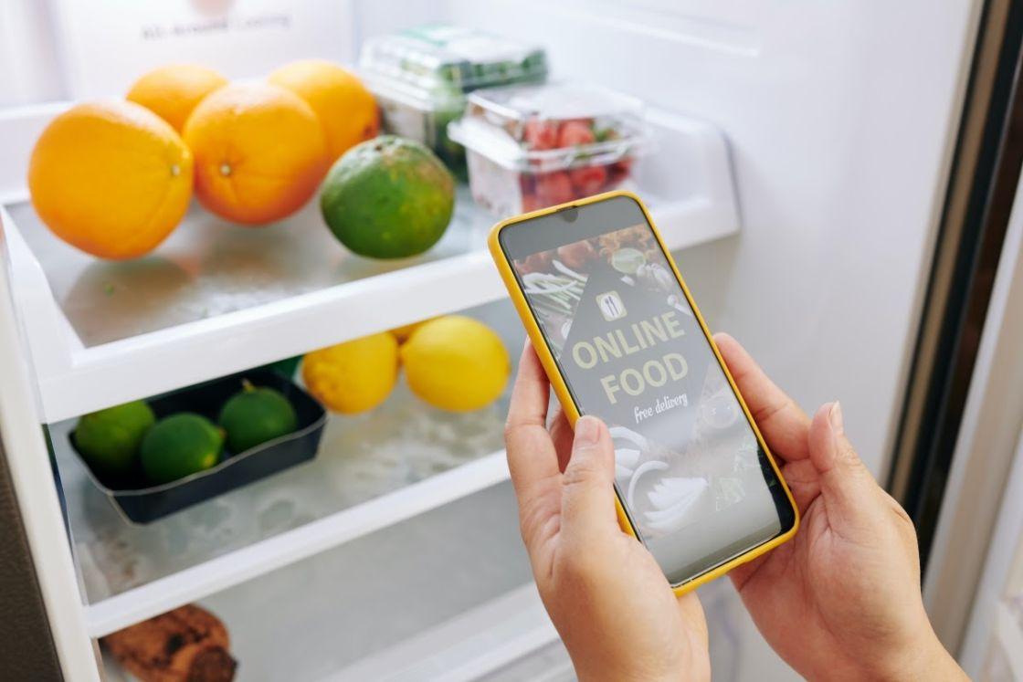 nevera abierta y móvil Distribuidores de alimentos en casa BGRUP