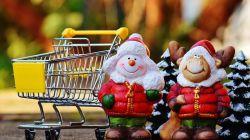 Productos navideños típicos de los lotes y las cestas de Navidad para empresas