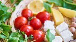 Los enormes beneficios de la dieta mediterránea: alimentos y otros datos interesantes