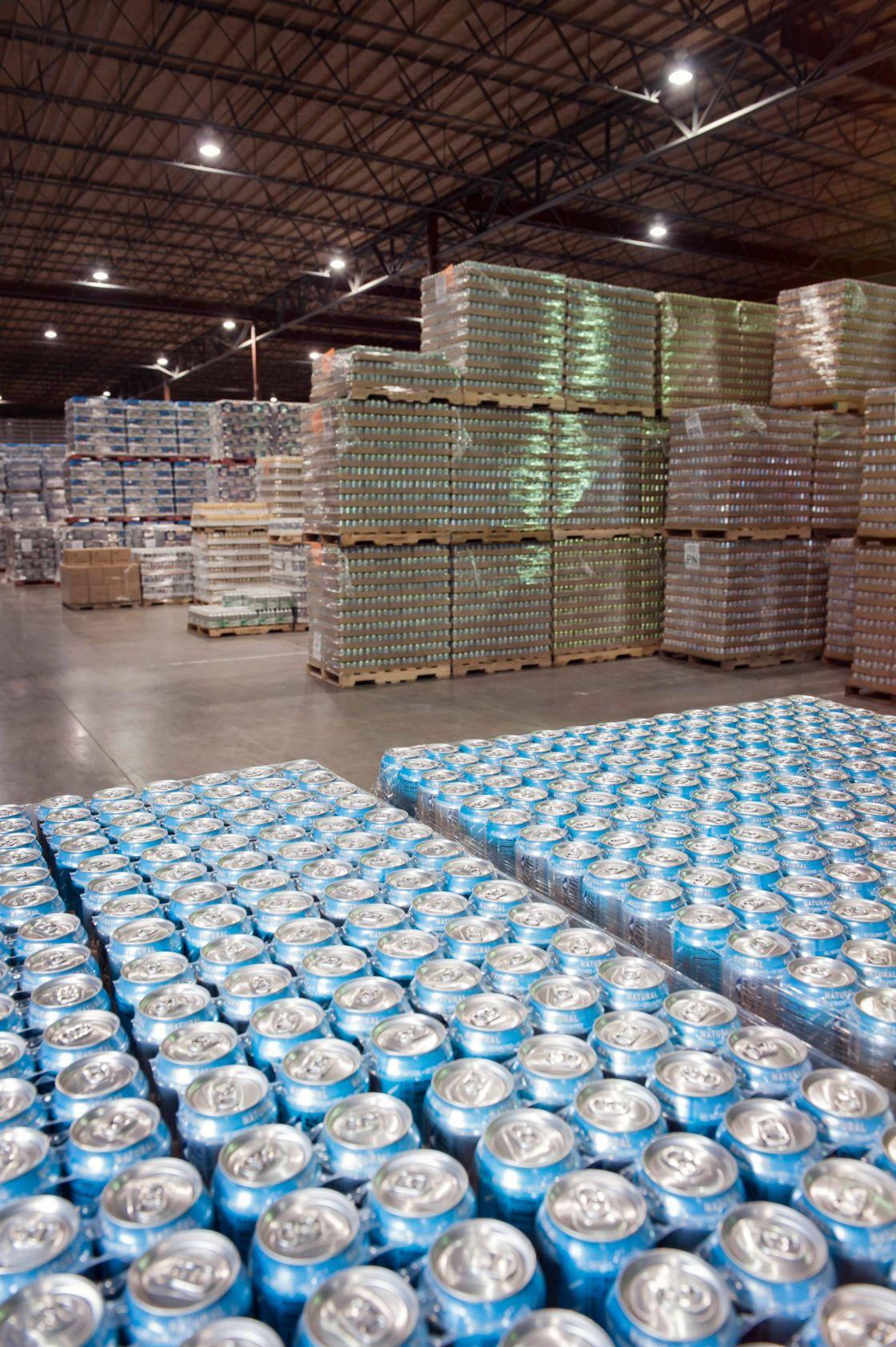 distribuidora de refrescos en lata